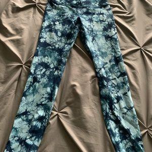 Blue tie dye lululemon leggings